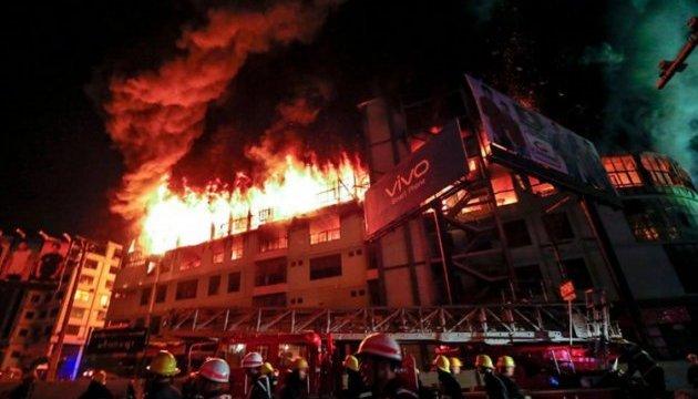 Пожежа у таборі біженців в М'янмі залишила без домівок 440 сімей
