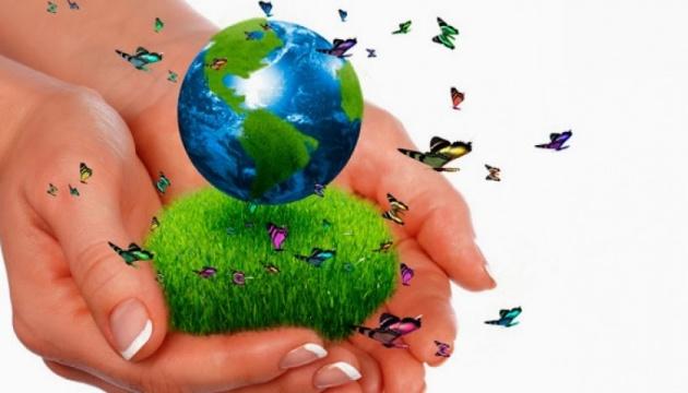 Aujourd'hui marque la Journée mondiale du recyclage
