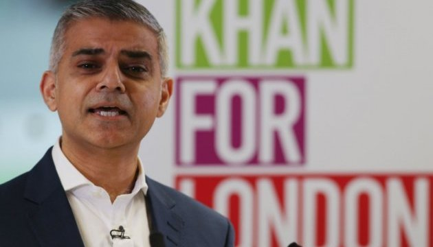 Пожар в GrenfellTower: мэр Лондона просит Мэй открыть данные о пропавших