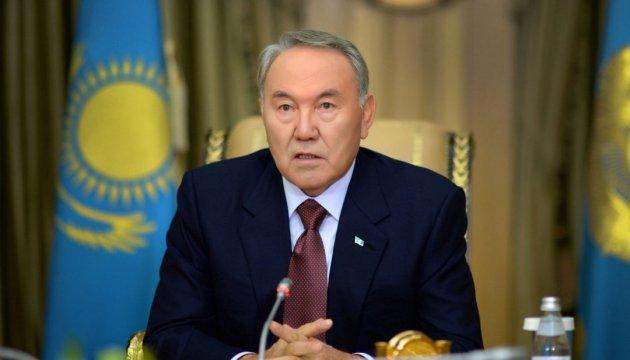Назарбаев вынес на всенародное обсуждение передачу части своих полномочий