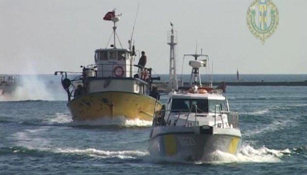 Український суд конфіскував шхуну в турецьких браконьєрів