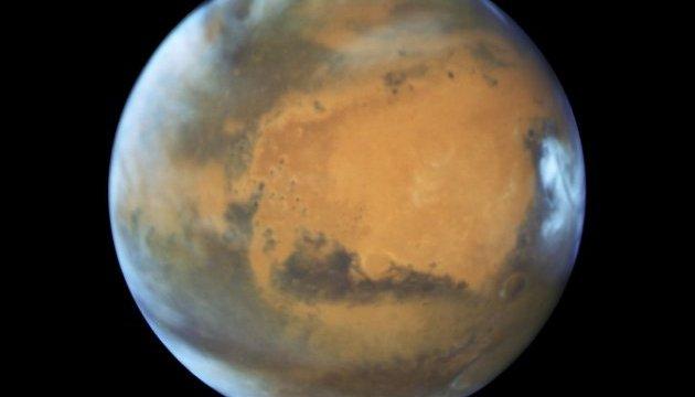 Телескоп Hubble показав каньйони, цунамі й вулкани Марса