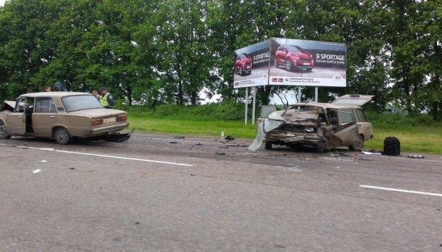 Потрійне ДТП під Харковом: двоє загиблих і п'ятеро травмованих