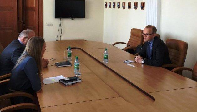 Раднику ЄС розповіли в Одесі про митницю, реформи і декомунізацію