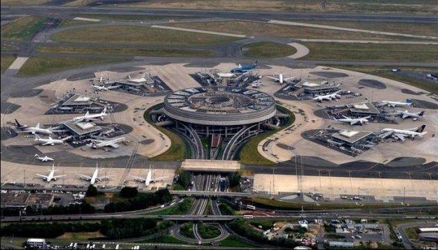 Паризькі аеропорти оголосили триденний страйк