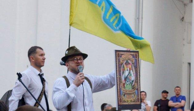 """Три тисячі одеситів взяли участь у """"лагідній українізації"""" Антіна Мухарського"""