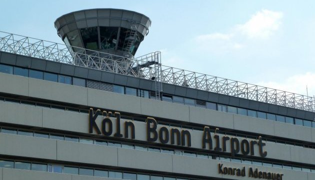 Аеропорт Кельн-Бонн зупинили на кілька годин через любителя