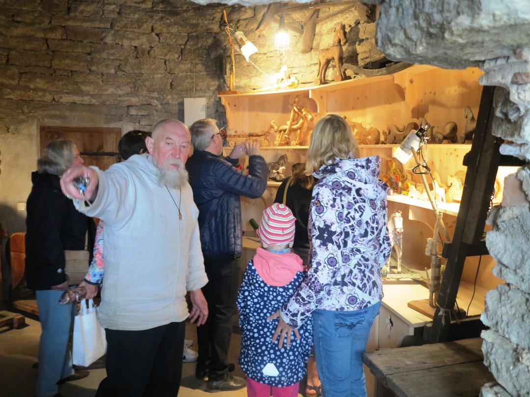 Засновник Анатолій Лютюк на відкритті Музею дерев'яної конячки