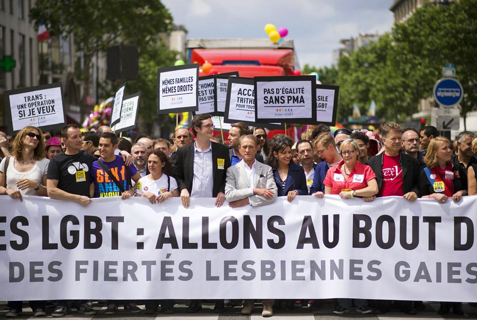Мэр Парижа Бертран Деланоэ (в центре), Париж, Франция, 29 июня 2013 года. Фото: Lionel Bonaventure / AFP