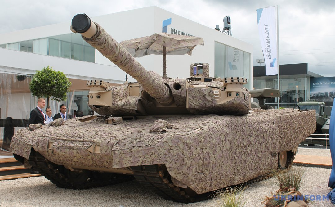 """Танк MBT Leopard 2R з """"парасолькою"""""""