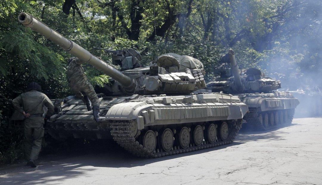 Россия гонит танки на Донбасс