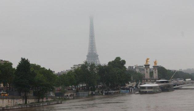 У Парижі Сена вийшла з берегів