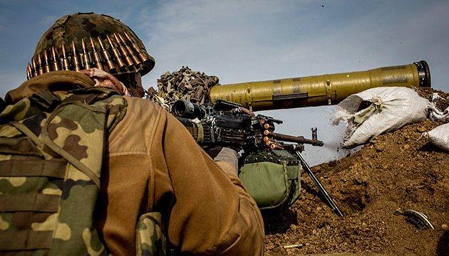 АТО: у Луганському й Невельському ворог застосував 122-мм артилерію