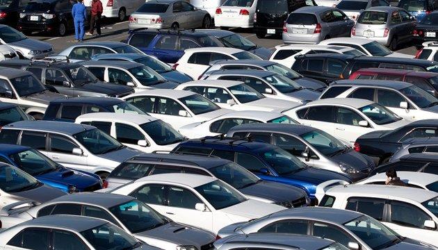 Імпорт легкових авто в Україну торік зріс у 2,4 раза