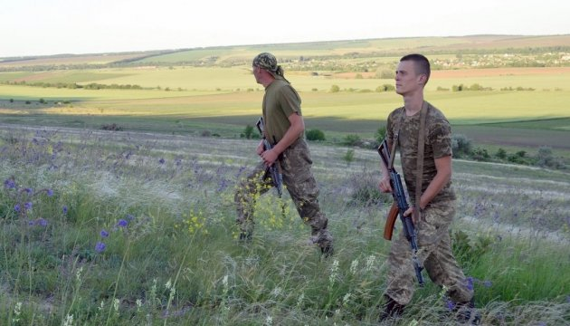 Two Ukrainian servicemen wounded in Donbas