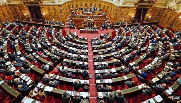 Французские сенаторы рассказали, кто и как