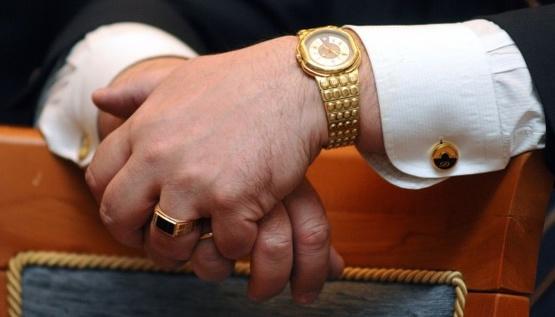 НАПК начинает проверять, как живут чиновники за свои зарплаты