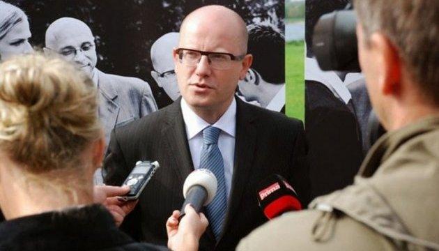 Прем'єр Чехії оголосив про відставку уряду після скандалу