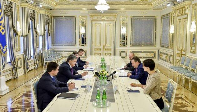 Поліцейська місія ОБСЄ сприятиме деескалації на Донбасі - Порошенко