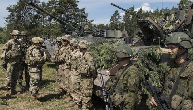 Польща хоче, щоб НАТО погодило ще на рік присутність військ на східному фланзі