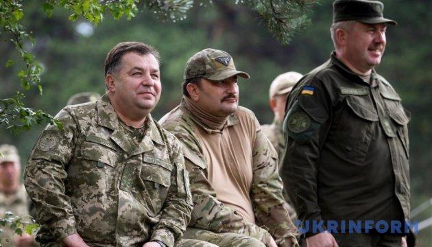 Полторак хоче для армії нову техніку - і не тільки українську