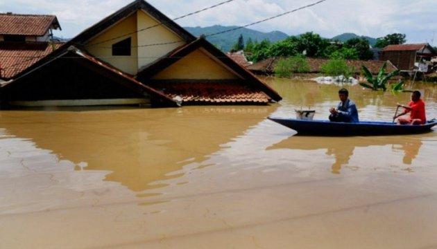 Шторм на Філіппінах забрав життя вже 85 осіб