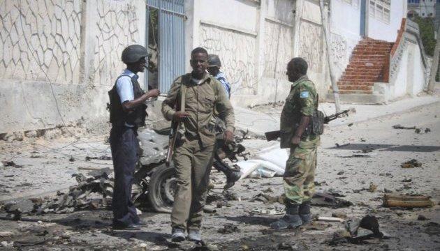 В отель в Могадишо ворвались террористы