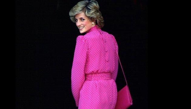 Знаменитое вечернее платье принцессы Дианы продадут на аукционе