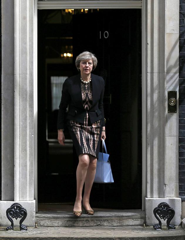 Міністр внутрішніх справ Тереза Мей не зважає на довжину спідниці