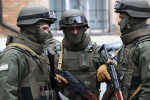 9e00b49d66dc48 ... з аудиторією Екс-директору Харківського бронетанкового оголосили  підозру в розтраті