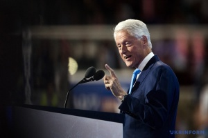 Експрезидента США Білла Клінтона виписали з лікарні