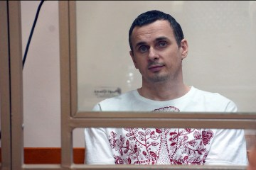 Oleg Sentsov convoyed from Irkutsk to unknown location