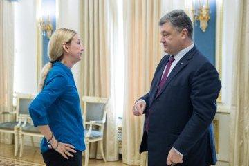 ポロシェンコ大統領、スプルン保健相代行への支持を表明