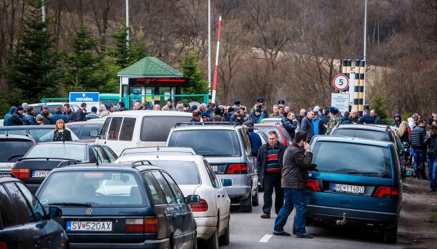 Queues at all checkpoints of Ukrainian-Polish borderline