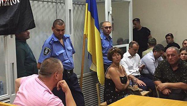 Справа комбата «Баті»: активісти провели ніч у забарикадованому суді
