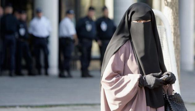 У Норвегії заборонили носити бурку та нікаб