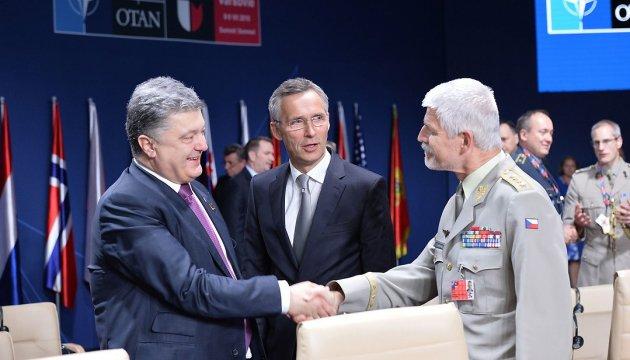 Саммит НАТО: сдерживание-ХХІ, гибридное партнерство с ЕС и