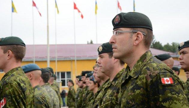 Канада оставляет своих специалистов на Яворовском полигоне