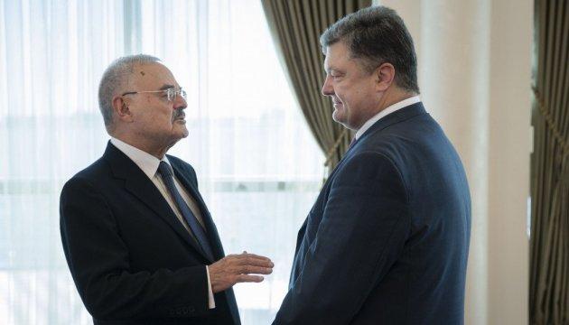 Poroshenko calls on Azerbaijani PM to use potential of Ukrainian companies for development of Azerbaijan infrastructure