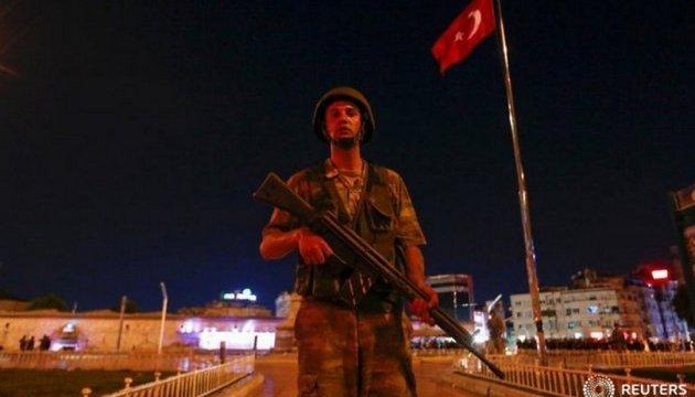 Анкара выдала ордера на арест более 170 полицейских