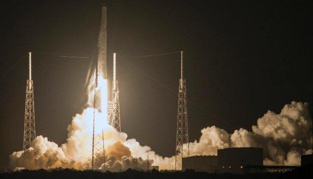 В 2017 году SpaceX планирует запустить сверхтяжелую ракету Falcon
