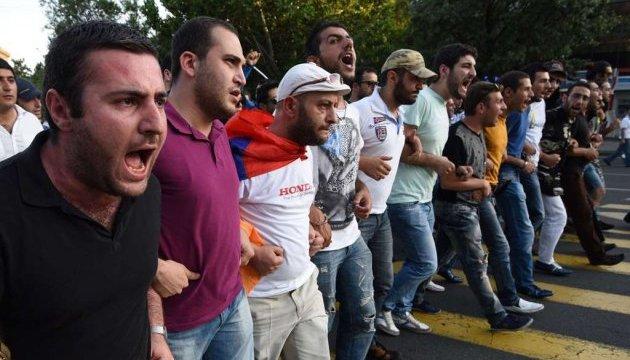 Криза у Вірменії: лідер протестувальників Пашинян затриманий поліцією, сталися зіткнення - Цензор.НЕТ 6705