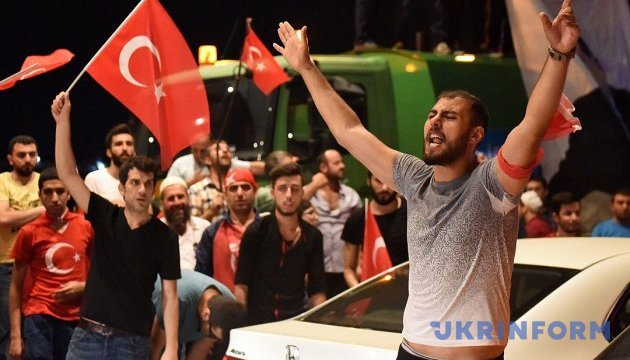В Турции - новая волна массовых чисток