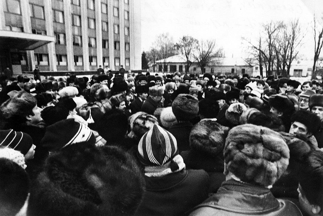 7 січня1990 обком, у центрі 1 секр Палащенко