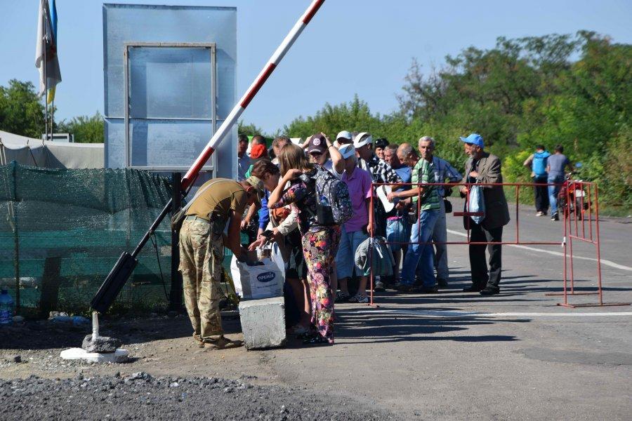 Переселенцы и пенсионеры, получающие деньги на подконтрольной Украине территории, могут быть в ОРДЛО не более 59 дней