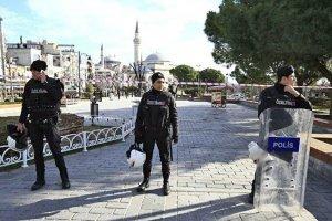 У Стамбулі за недотримання карантину вже виписали понад 2 тисячі штрафів