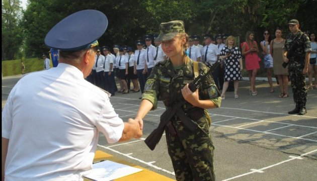Military: over 43,000 members signed contract with Ukrainian Armed Forces in 2016