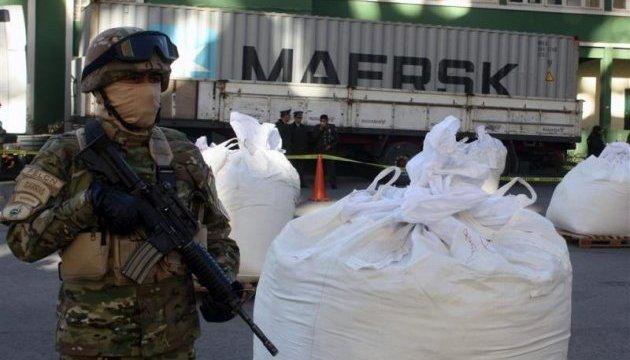 Підводний човен із трьома тоннами кокаїну відбуксирували до іспанського порту