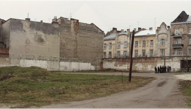 Во львовской тюрьме НКВД сбрасывала расстрелянных в ямы с животными