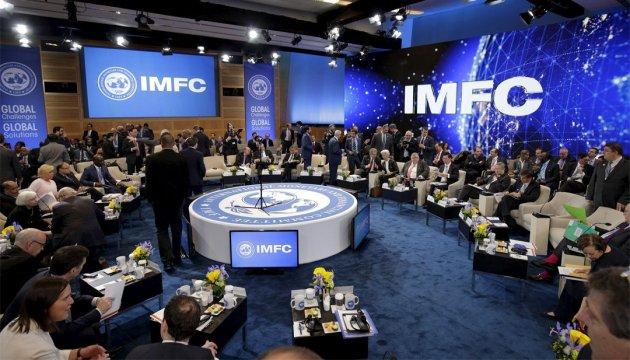 Чому Україна досі не отримала черговий транш від МВФ?